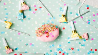 gender reveal party - onthulling geslacht baby - gender reveal taart - gender reveal taart maken - mamaenzo.nl